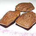 Madeleine au chocolat et à la violette
