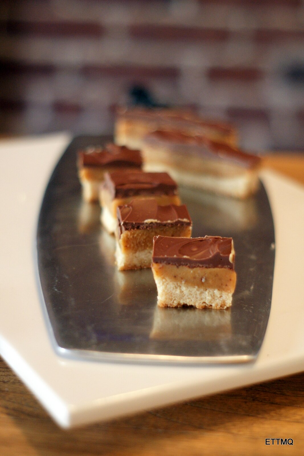 Millionaire's shortbread: My cake is (very) rich.