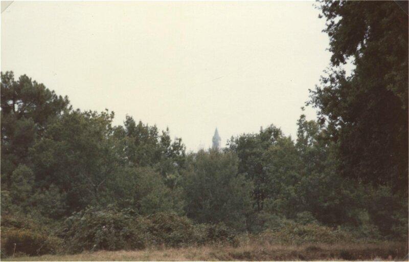 clocher dans la brume à Sourbarie