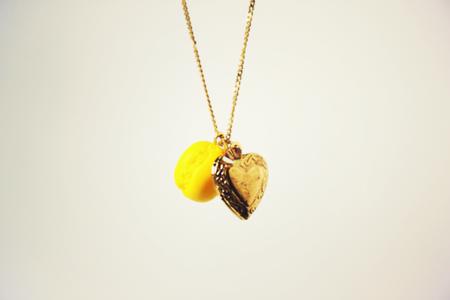 collier mini macaron citron