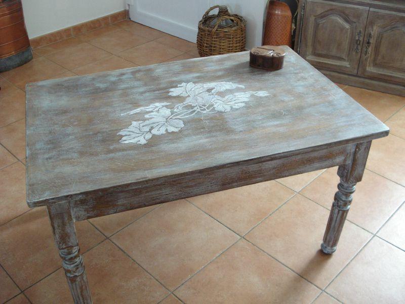 Relooking de meuble table de salon dessin feuille de for Relooker une table de salon