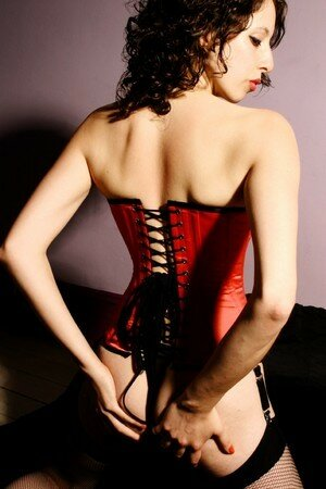 corset_by_Lou_Smith