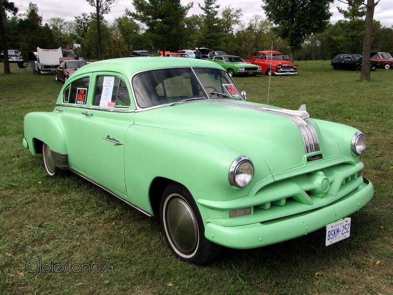 pontiac-chieftain-torpedo-back-sedan-1951