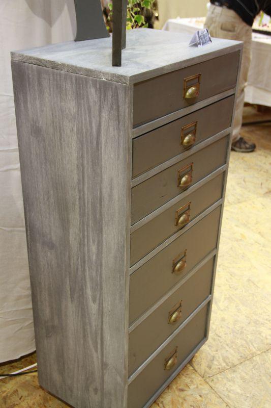 L 39 atelier des filles 2011 continue ses bricoles l 39 atelier - Couleur de meuble en bois ...
