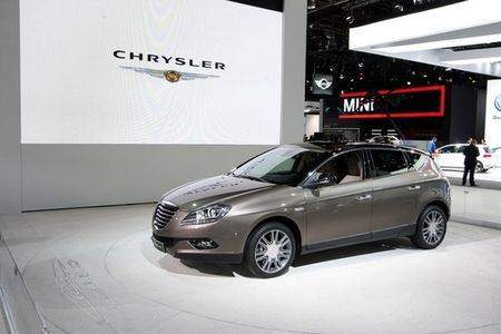 2010_profil_chrysler_delta_image_photo_leader