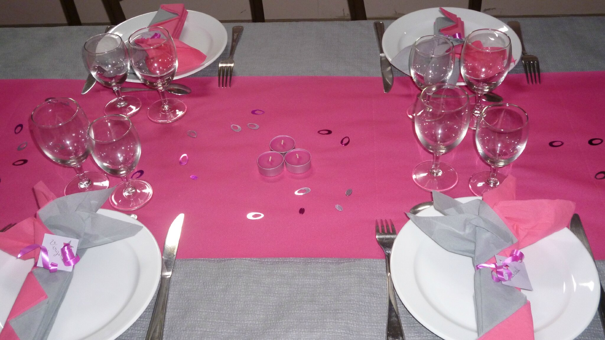 D co de table gris et rose for Deco rose et gris