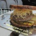 Hamburger sur pain de campagne toasté