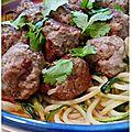 Boulettes de boeuf et spaghetti aux légumes