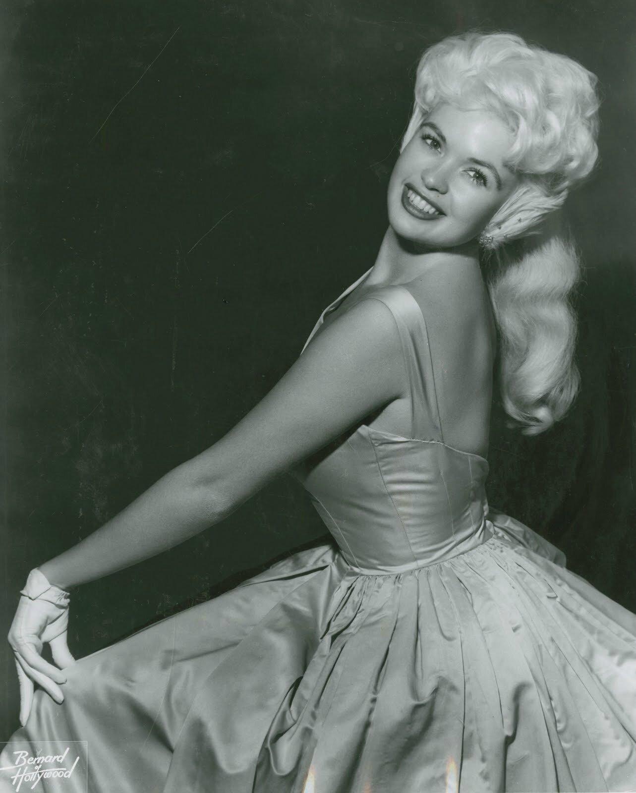 jayne-1958-portrait-03-3a