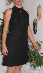 robe_noire_col_mao
