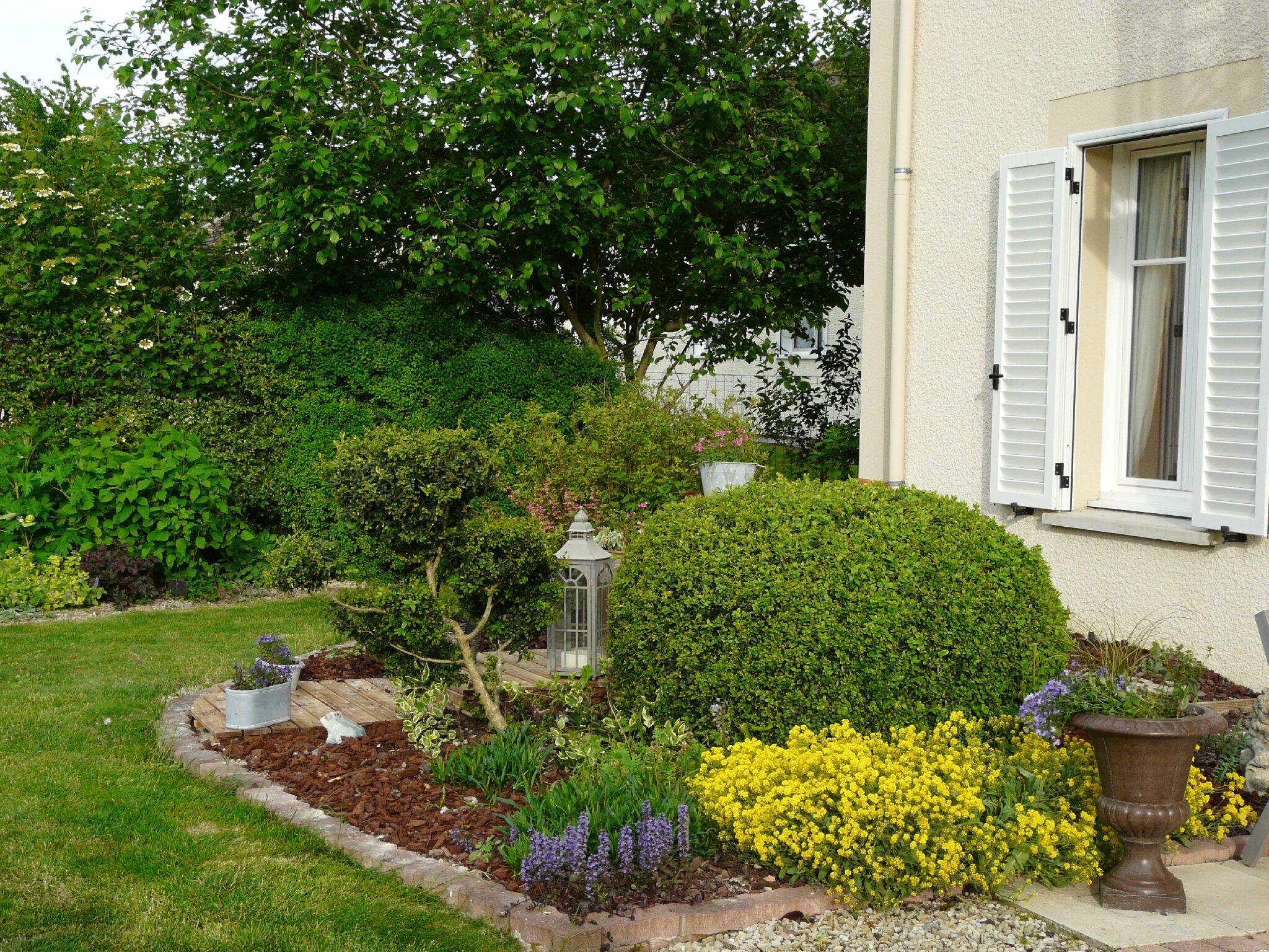 camouflage le jardin de marguerite rose. Black Bedroom Furniture Sets. Home Design Ideas