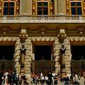 Façade ouvragée de l'Opéra Comique.