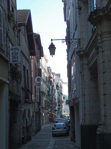Bayonne-rue Port Neuf