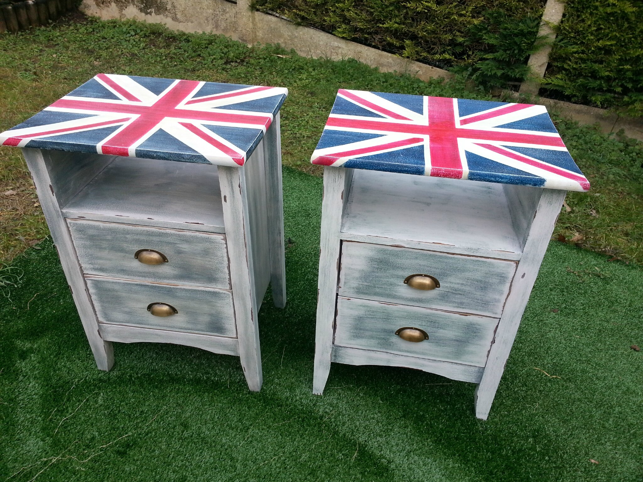 table de nuit union jack patin e r cup 39 art d co. Black Bedroom Furniture Sets. Home Design Ideas