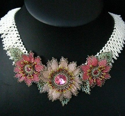 Frosty_Bloom_Necklace