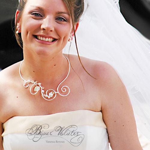mariée avec voile et collier mariage Dune
