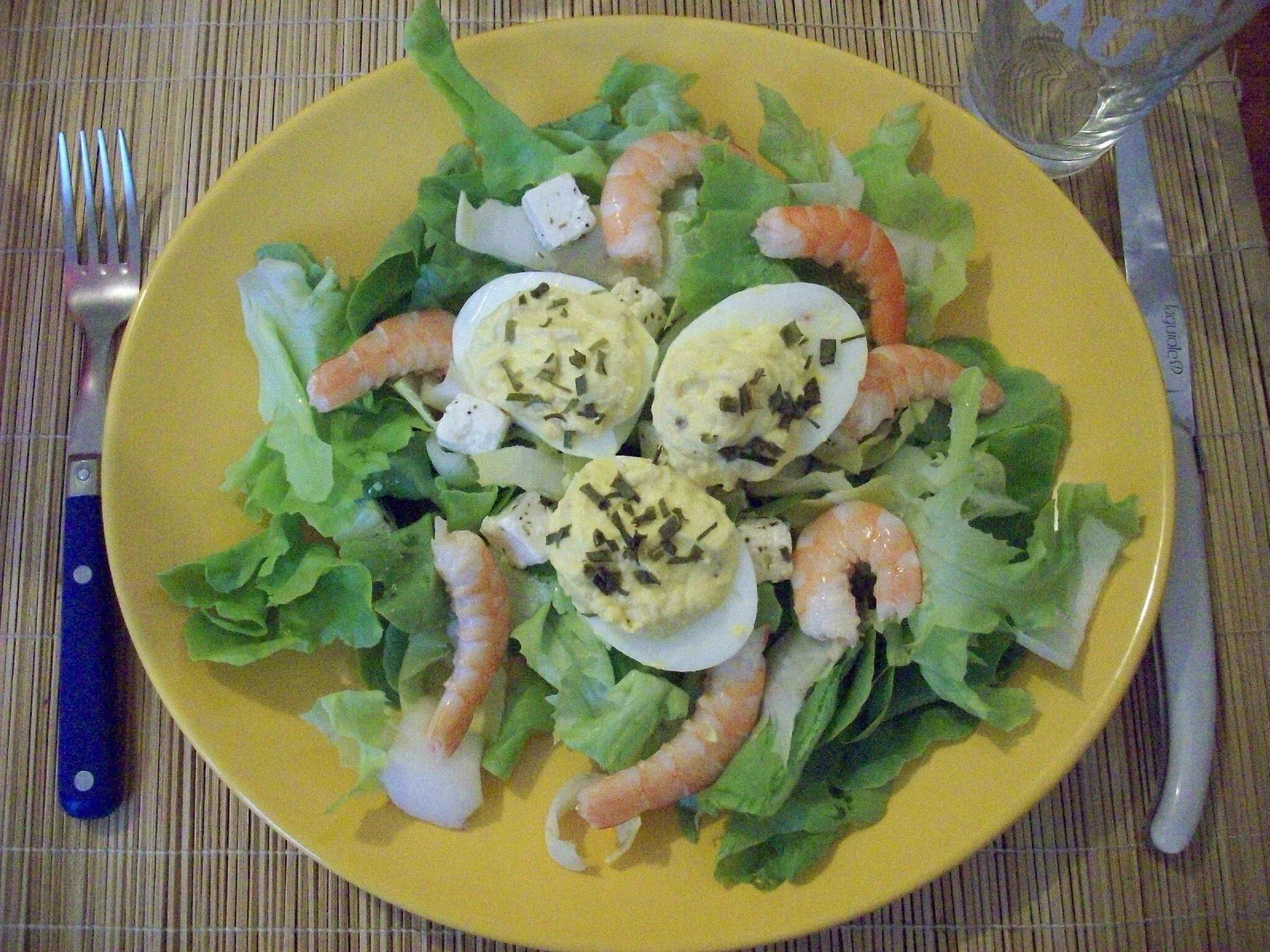 Salade compos e aux crevettes et ufs au thon les gourmandises d 39 ombeline - Salade verte composee ...