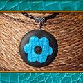 Collier FIMO maxi fleur cuir turquoise (N)