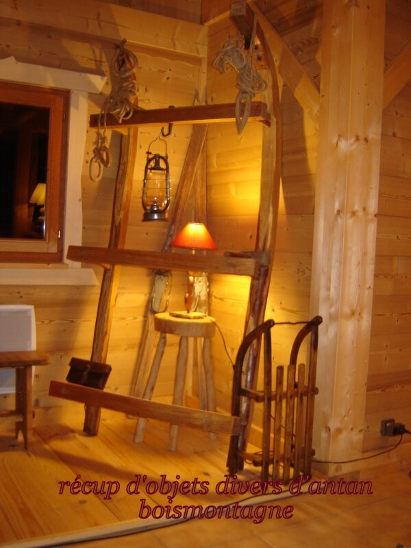 Int rieur chalet 020 photo de chalet poteaux poutres for Interieur chalet montagne