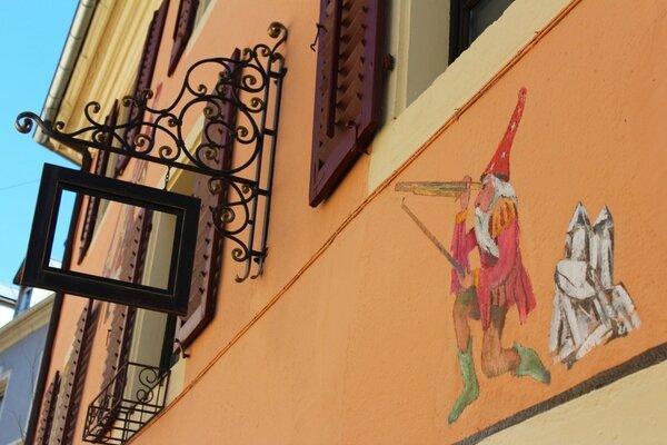 rue des franciscains , 24