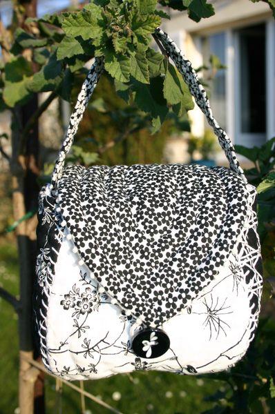 pochette noire-blanche 012