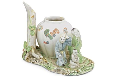 An_unusual_Chantilly_pot_pourri_vase