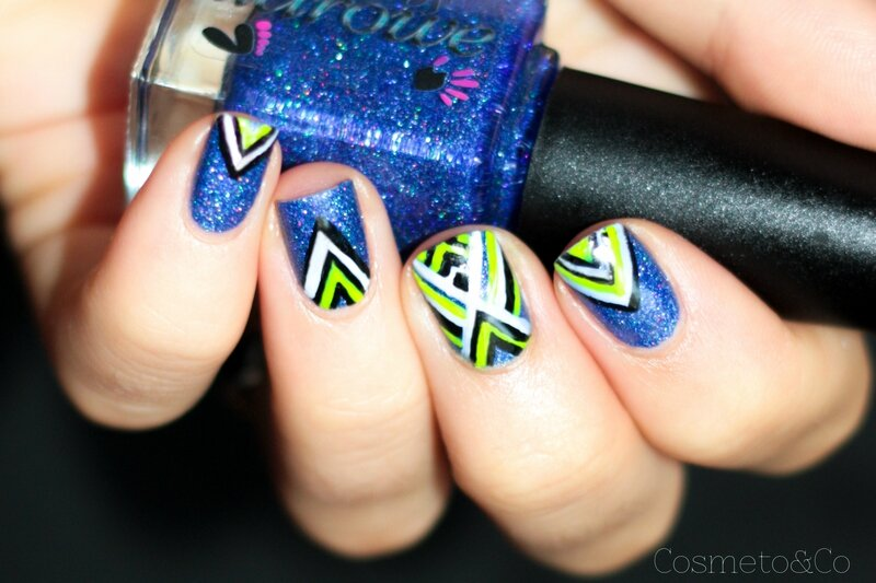 nail art colo by llarowe independance day graphique fluo triangle aztec-10