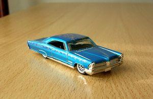 Pontiac bonneville 1965 -Hotwheels- (2003) 01