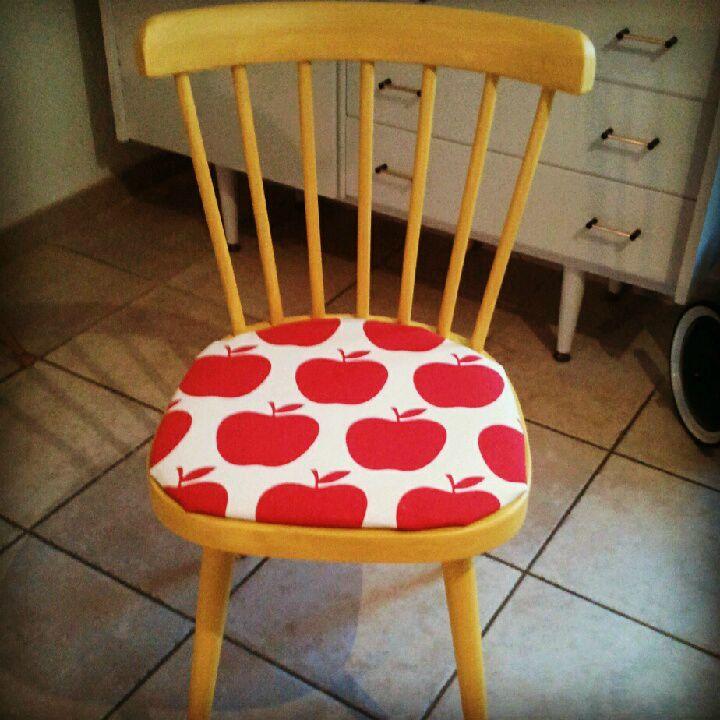 Retour de chine et relooking de chaise chez lisou for Chaise de poste