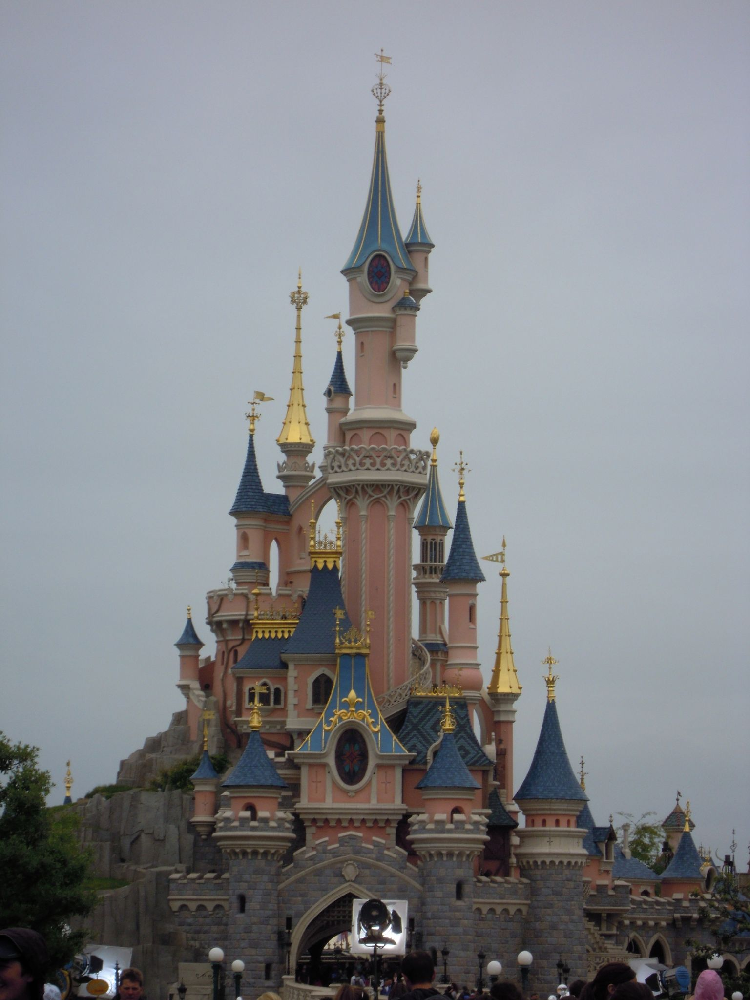 ch teau de la belle au bois dormant photo de disneyland. Black Bedroom Furniture Sets. Home Design Ideas
