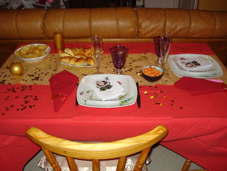 Table r veillon de no l 2008 les gourmandises d 39 une p 39 tite f e - Deco table noel rouge et or ...