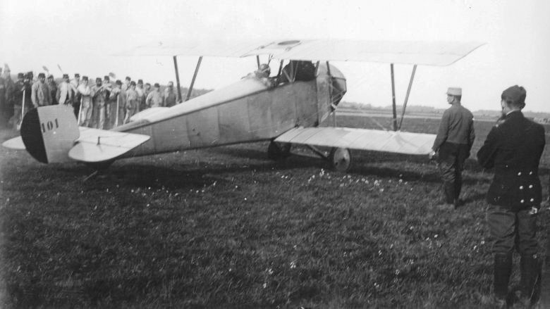 Pégoud dans Nieuport X n°101 Photo AD90