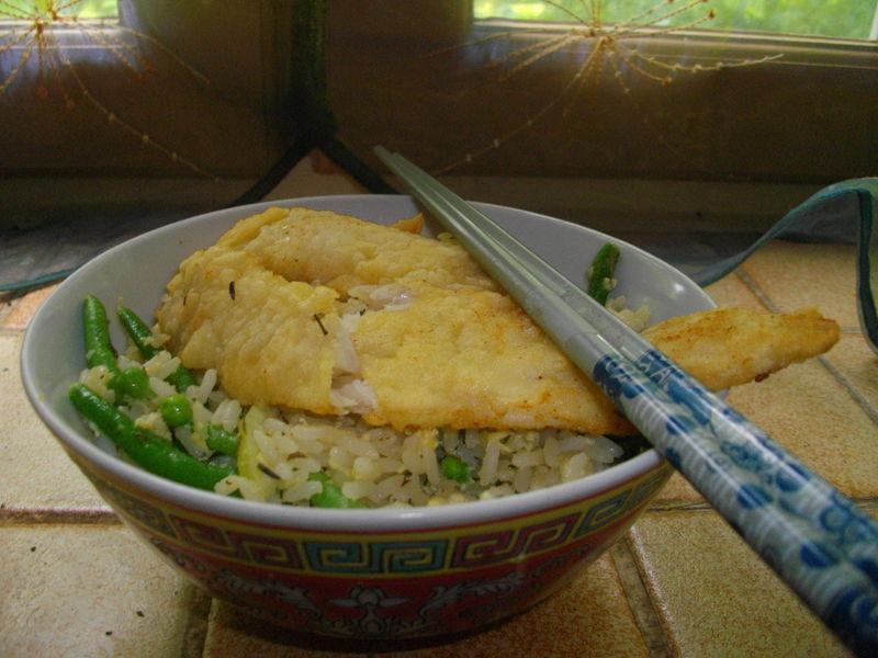 riz cantonais et poisson frit la gastronomie des fonds de tiroirs. Black Bedroom Furniture Sets. Home Design Ideas