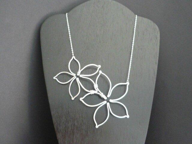 Collier multi fleurs 014