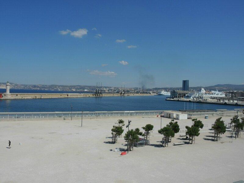 Marseille, le Mucem, vue sur l'esplanade 1 (13)