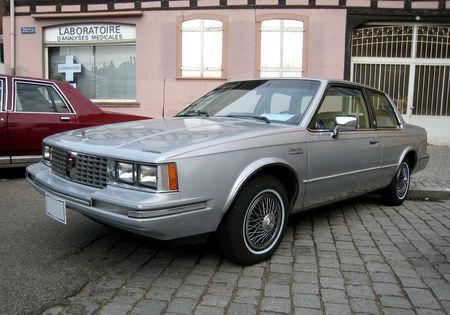 Oldsmobile_cutlass_ciera_brougham_de_1982__2_me_Rencontre_de_voiture_anciennes___Benfeld__01