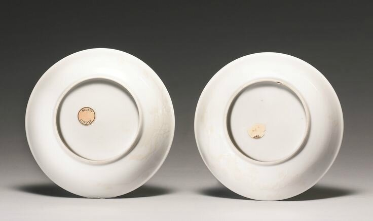 A rare pair of slip-decorated white-glazed dishes, Qing dynasty, 18th century2