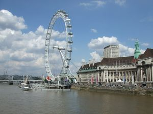 council_hall_and_london_eye