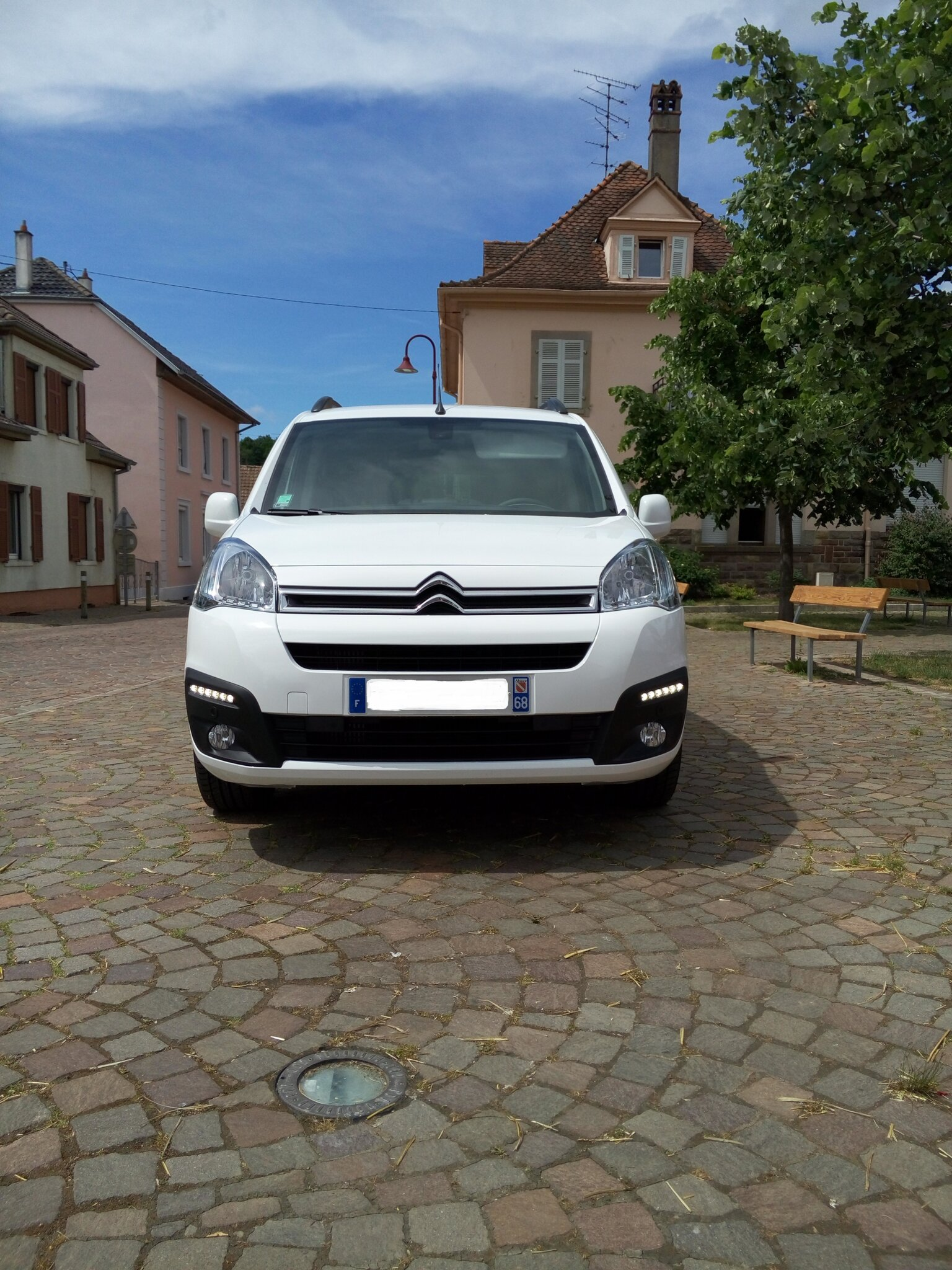 collaborateur vends nouveau citroen berlingo multispace shine bluehdi 120cv 7 places. Black Bedroom Furniture Sets. Home Design Ideas