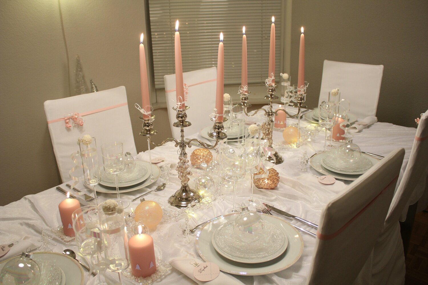 Esprit de tables for Table de noel blanche