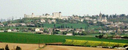 Villebois_Lavalette_le_chateau_Avril_2008__28_