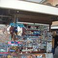 boutiques près de la cathédrale St SAUVEUR