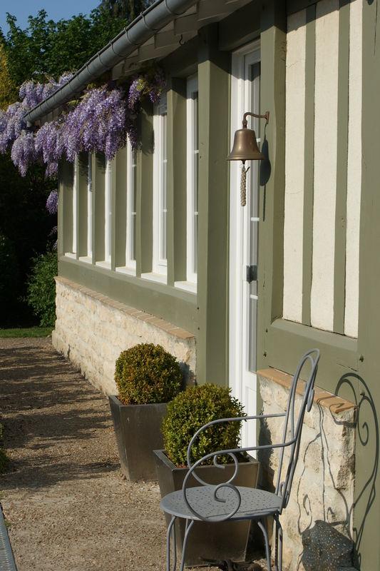 Peau neuve pour colombages cottage et patine le blog for Poutre bois exterieur