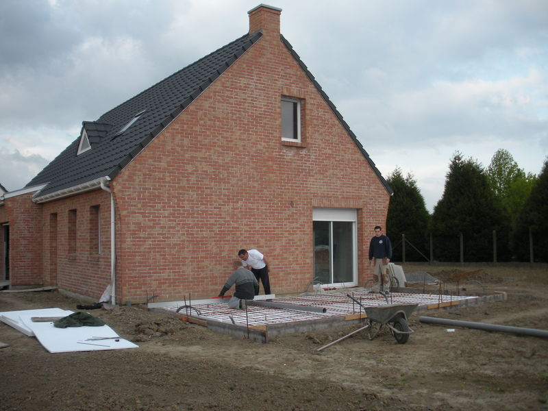 Dalle v randa suite notre blog l 39 avancement de notre maison castor - Couler une terrasse contre une maison ...
