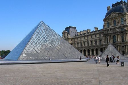 Pyramide_Louvre
