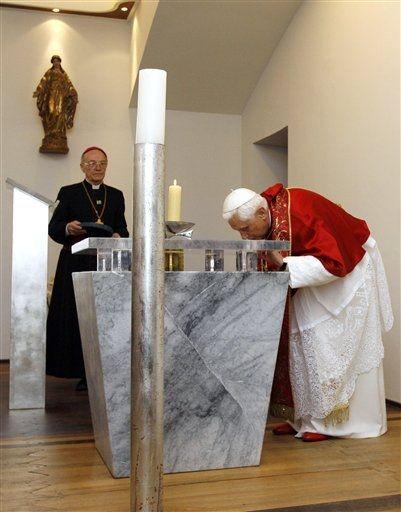 Lourdes, le Pape Benoît XVI à l'Oratoire de l'Hospice