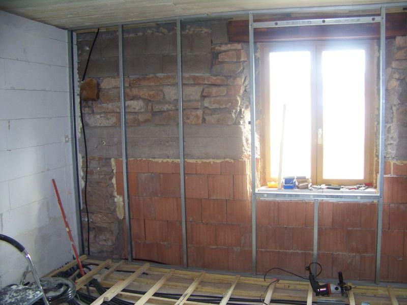 le mur sud de la chambre d 39 enfant r habilitation d 39 une b tisse de 1862. Black Bedroom Furniture Sets. Home Design Ideas
