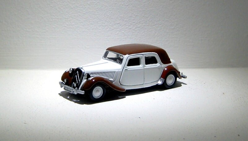 Citroen traction avant (Siku) 02