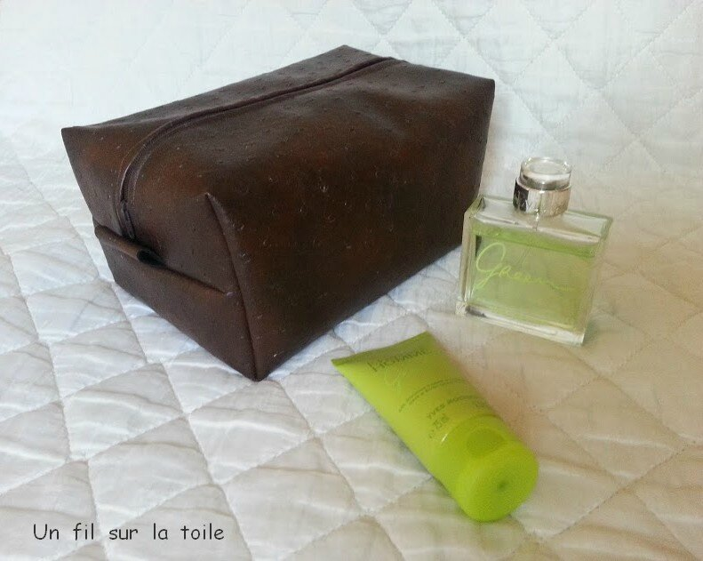 trousse marron