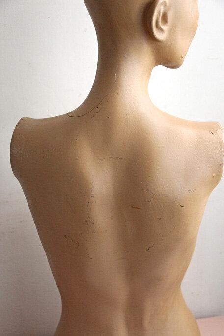 buste-mannequin-vintage-dos